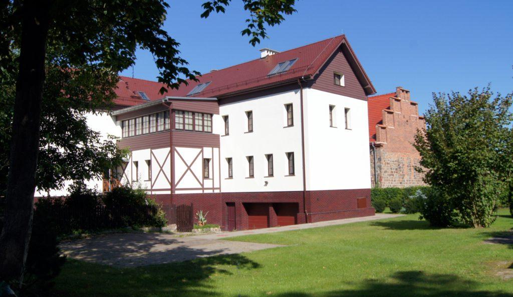 Przebudowa klasztoru w Dobrej